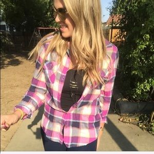 American Eagle pink button up top